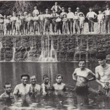 Un bagno in Bisenzio nella pescaia di Rilaio, anni Venti
